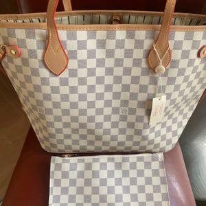 ***neverfull medium Louis Vuitton handbags